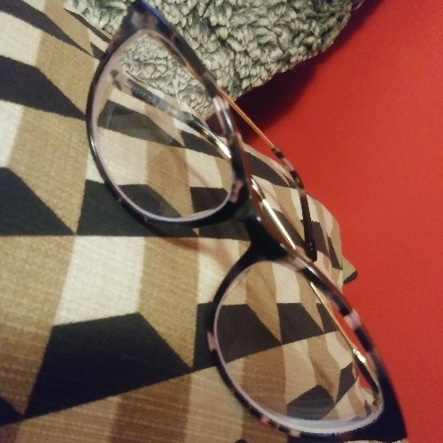 Love these frames! This is my second pair because I needed a rx update. Cute stylish and fit great!