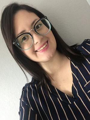 Glasseslit Testimonials - Me quedaron un poco grandes para mi cara, pero me encanta cómo se ven puestas.